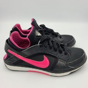 Nike Huarache Black Pink Dance Low Active Sneakers